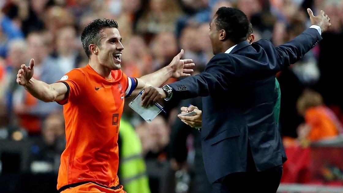 Van Gaal congratulates record breaker Van Persie