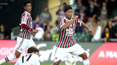 Ronaldinho courted down under