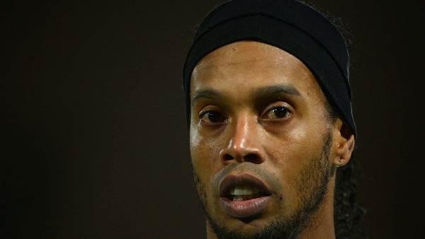 Ronaldinho signs new Atletico Mineiro contract