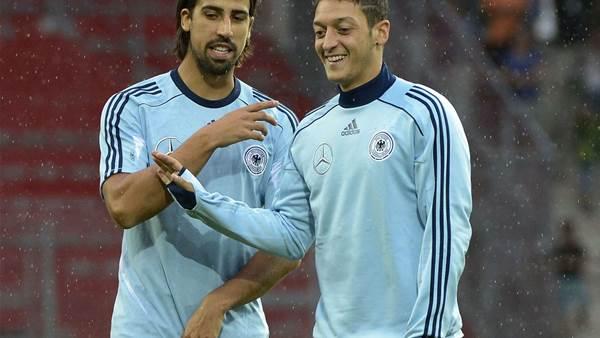 Khedira backs Ozil to fire Arsenal to title