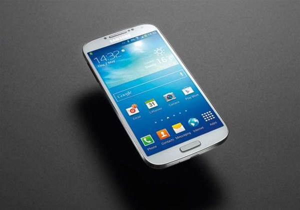 Samsung Galaxy S4 reviewed: fantastic handset, but HTC One is better all-rounder