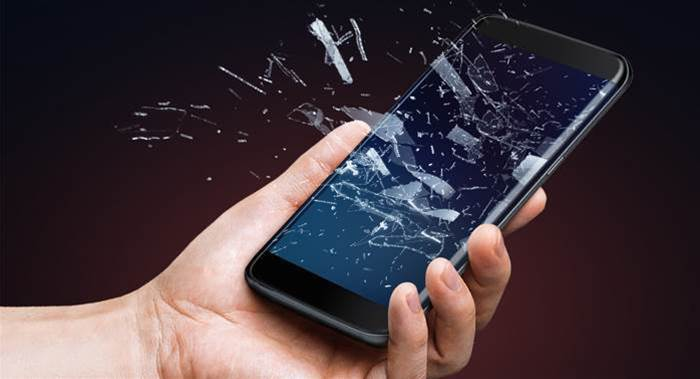Malicious replacement touchscreens could completely compromise phones