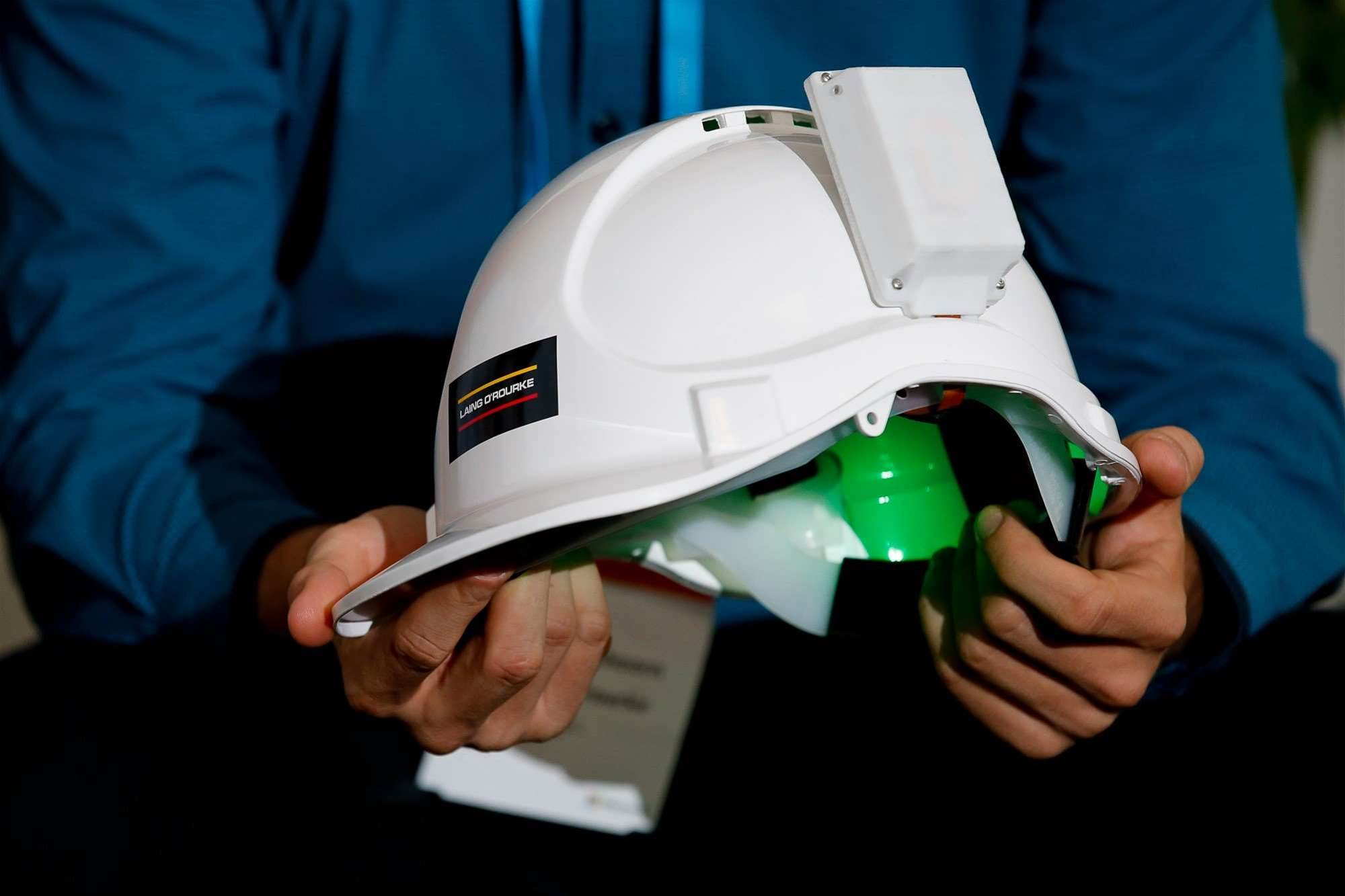 Laing O'Rourke brings IoT to hard hats
