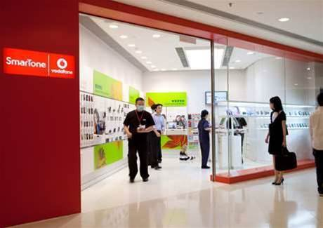 Vodafone still bleeding customers