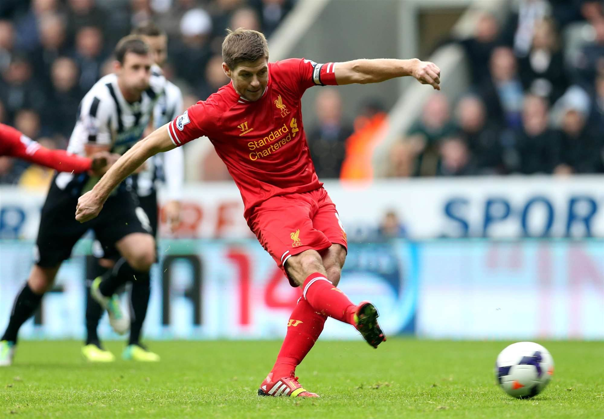 Gerrard shrugs off Ferguson comments