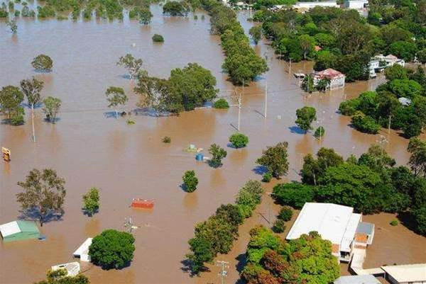 Telstra drops 40 exchanges from 'red zone' flood list