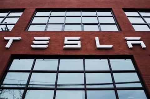 Tesla poaches key Apple software engineer