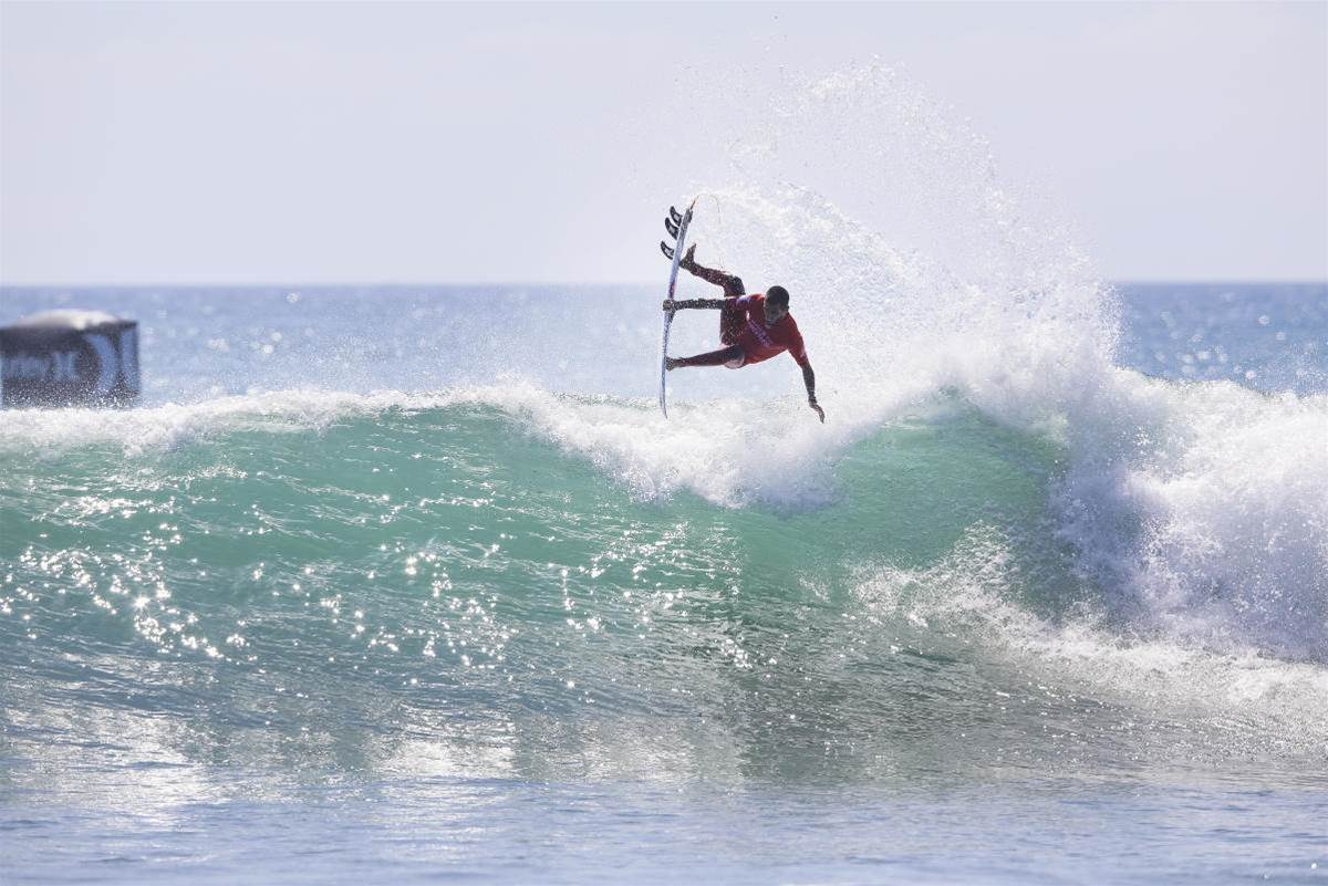 Filipe and the J-Team turn on at Trestles