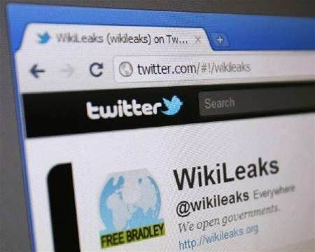 U.S. orders Twitter to hand over WikiLeaks records