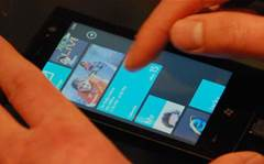 Microsoft warns against 'tinkering' with Windows Phone 7 update