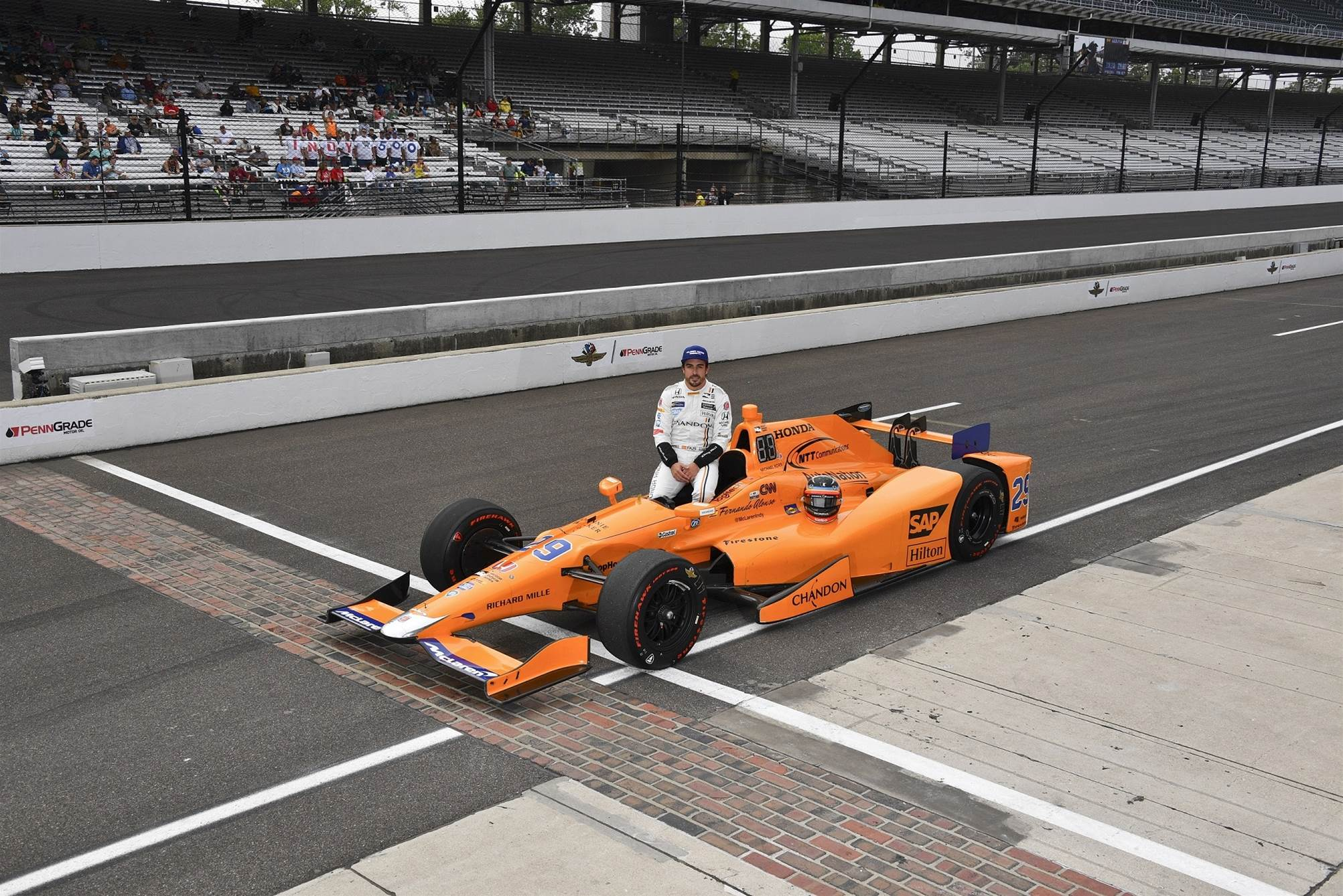 Video: Alonso and Rossi Indy pole day press conference