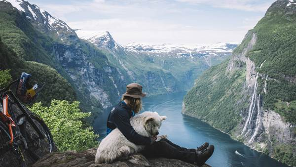 Makken & his Dog Charge Geiranger Fjord | The Tourist 2