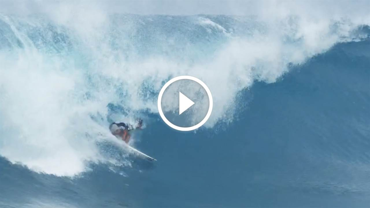 Griffin Colapinto and Seth Moniz go big on the North Shore