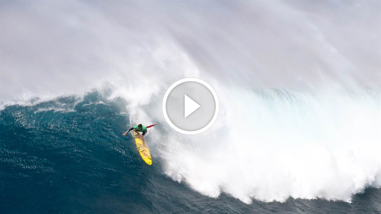 Kai Lenny Carving at Jaws