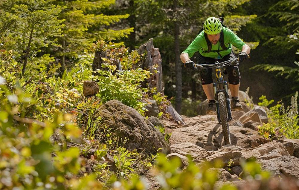 4 pro tips every beginner mountain biker needs to know