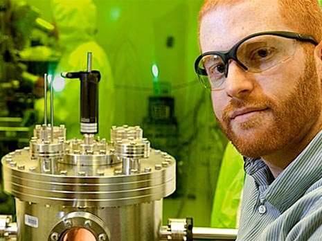 Spintronics professor wins grant, discusses technology