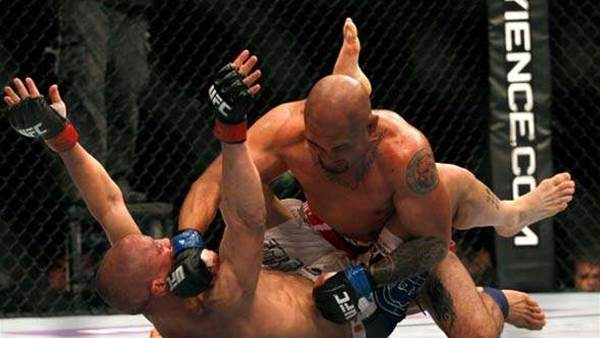 The 15 most brutal MMA photos ever taken