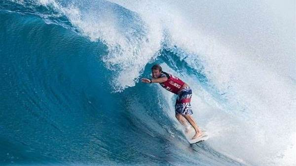 Taj Burrow Claims Billabong Pipe Masters