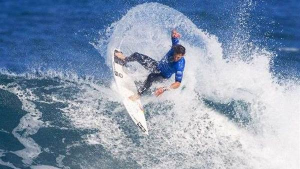 Andy Irons Set to surf in the Breaka Burleigh Pro