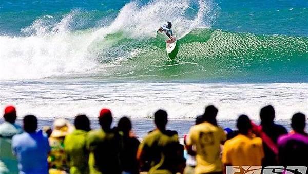 World's best female surfers hit Peru