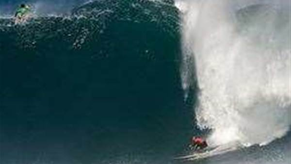 Quiksilver in Memory of Eddie Aikau Still Considering Thursday Swell