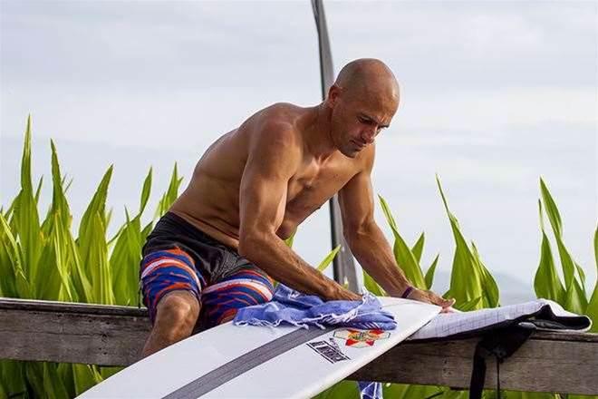 Kelly Slater v Joel Parkinson - A Tale Of Two Surfers