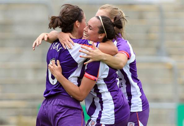 Glory hold out Reds