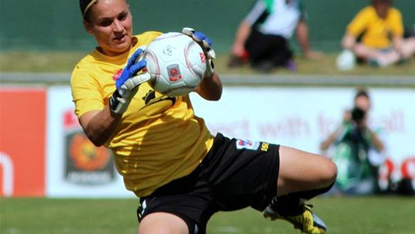 Adelaide United sign Melissa Barbieri