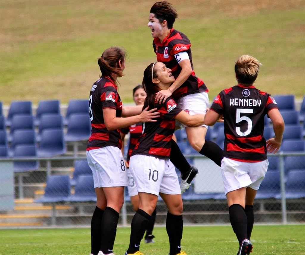 Wanderers win in dominant performance