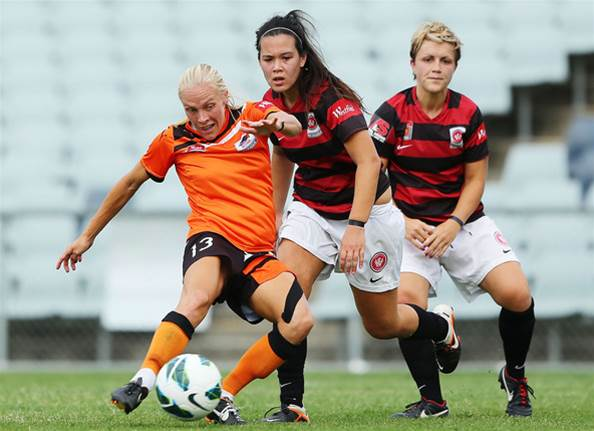 Brisbane hold on in tense finish