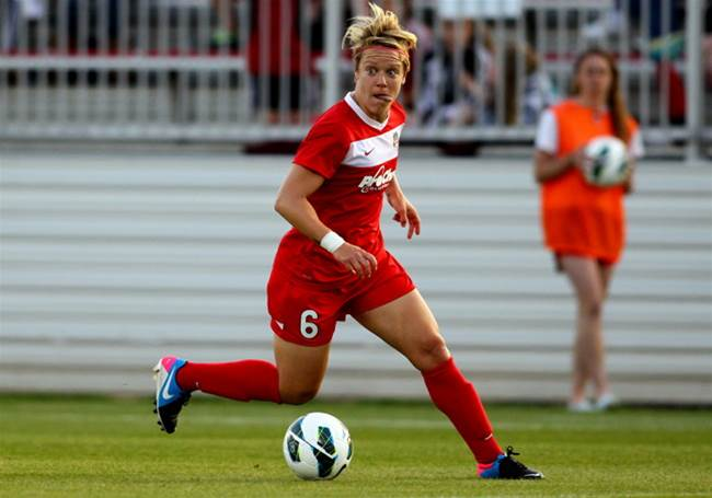 Canberra United sign USWNT midfielder Lori Lindsey