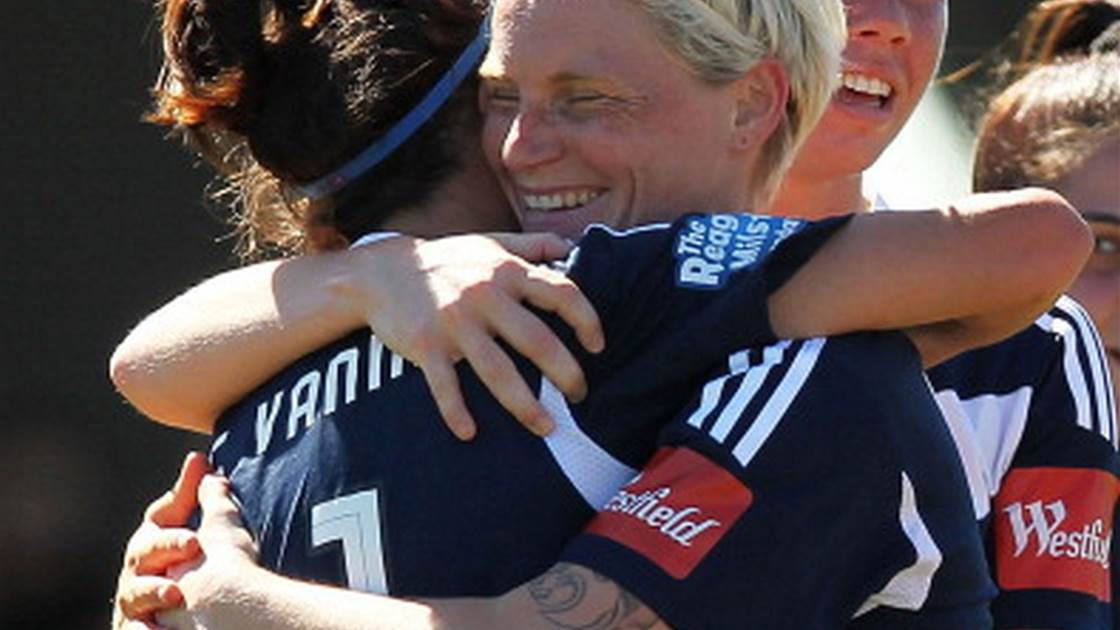 Caitlin Friend fires as Victory knock Jets for six