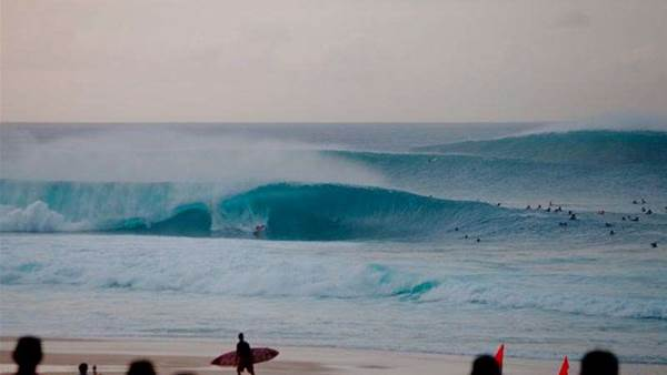 Kelly Slater Wins Volcom Fiji Pro Over Gabriel Medina + VIDEO