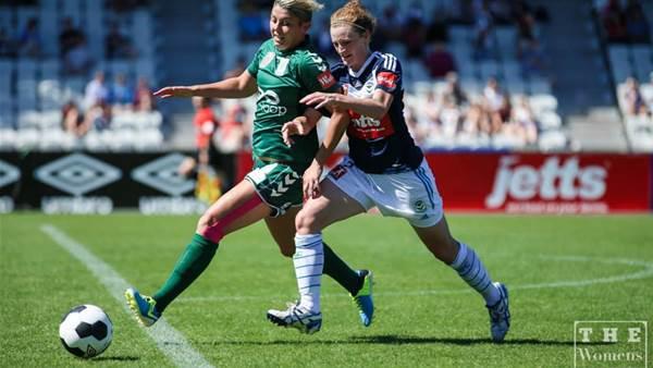 Melbourne Victory survive Canberra United challenge