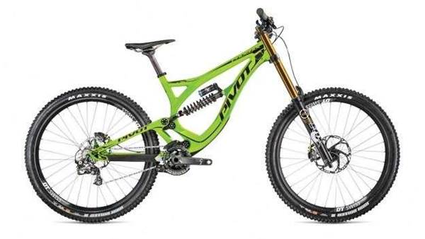 All new Pivot 650b carbon Phoenix DH