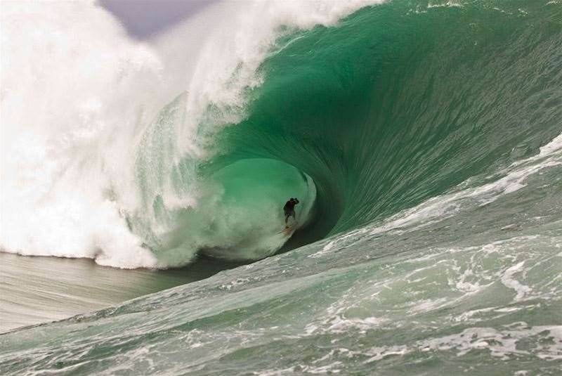 10 Mind-Blowing Teahupoo Moments