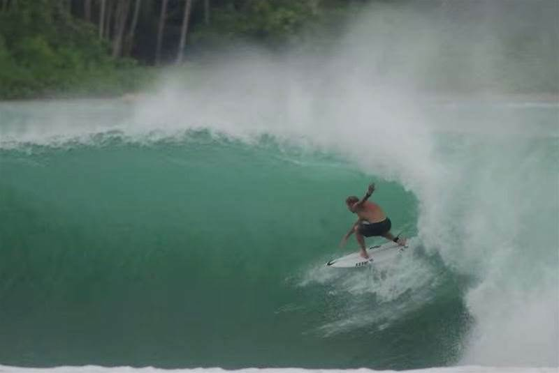 Mick Fanning – Sumatran Searching