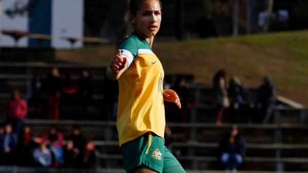 Sunny Franco stars as Australia accounts for Singapore 19-0