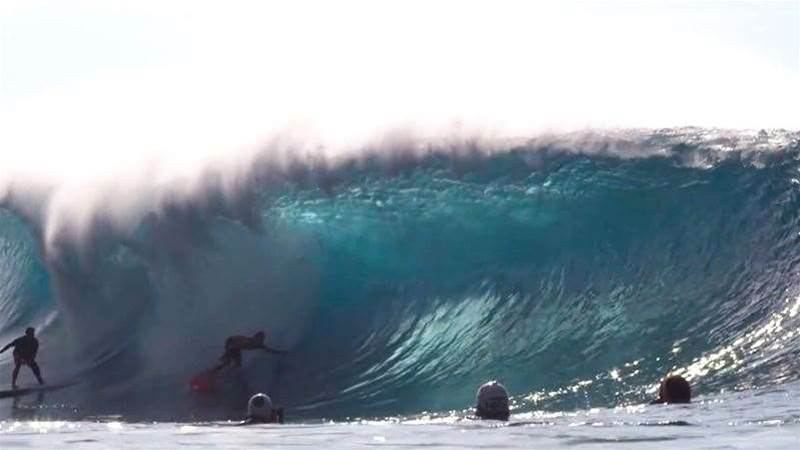 An Epic Session Goes Down At Pipeline