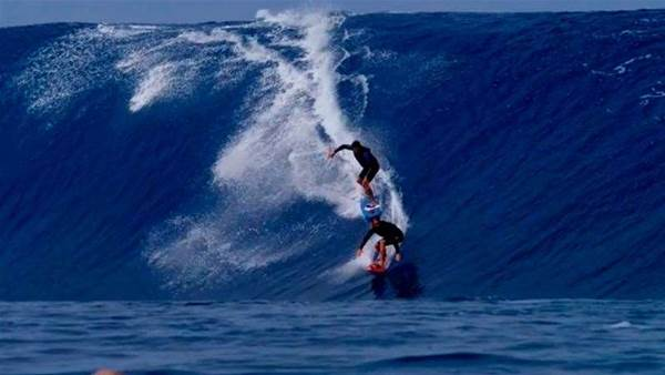 Hollywood Takes Over Teahupoo