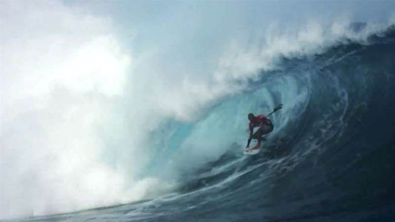 Kelly Slater Gives Us A Lesson in Backside Tube Riding