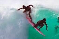 Jamie O'Brien - Tandem Surfing at Pipeline