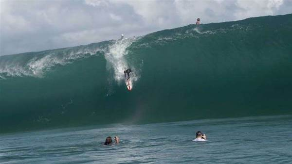 Nathan Florence's 15 Seconds of Insta-Fame at Teahupoo
