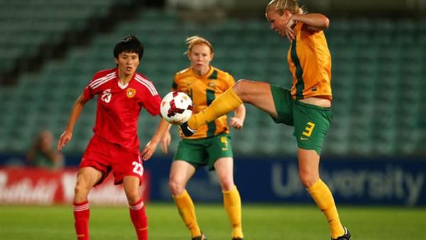 Perth Glory sign defender Kim Carroll