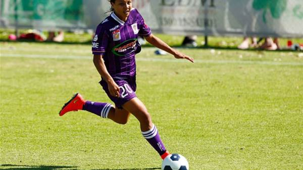 Sam Kerr re-signs with Perth Glory