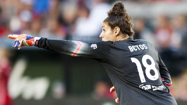 Sydney FC sign Portland Thorns goalkeeper Michelle Betos