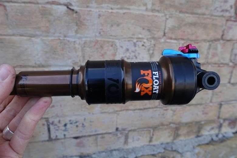 FIRST LOOK: Fox DPS Rear Shock w/EVOL Air Can