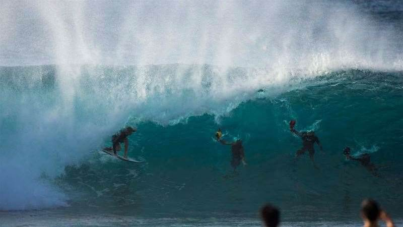 Gallery: One Week Of Swell On The North Shore