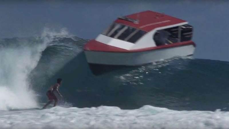 Gabriel Medina Dodges A Boat