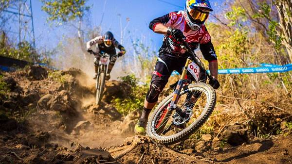 Remi Thirion wins the Asia Pacific Downhill Champs